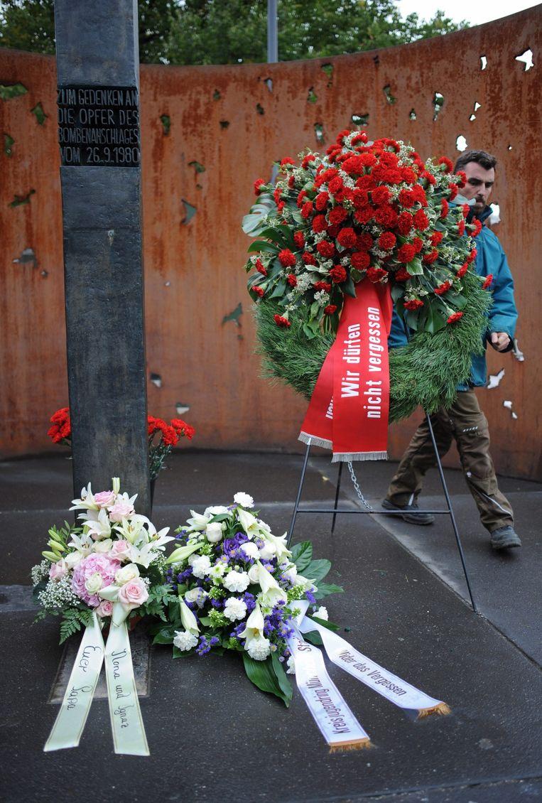 Slachtoffers van de aanslag in 1980 worden herdacht. Beeld anp