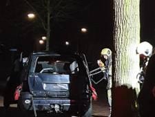 Auto opgeblazen in keurige straat in Bilthoven: 'Het glas lag 50 meter verder'