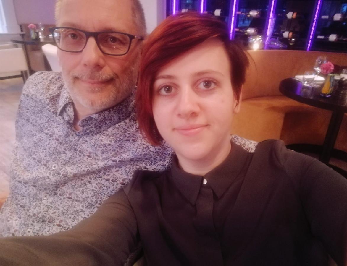 Vader John en dochter Iris van de Kolk.
