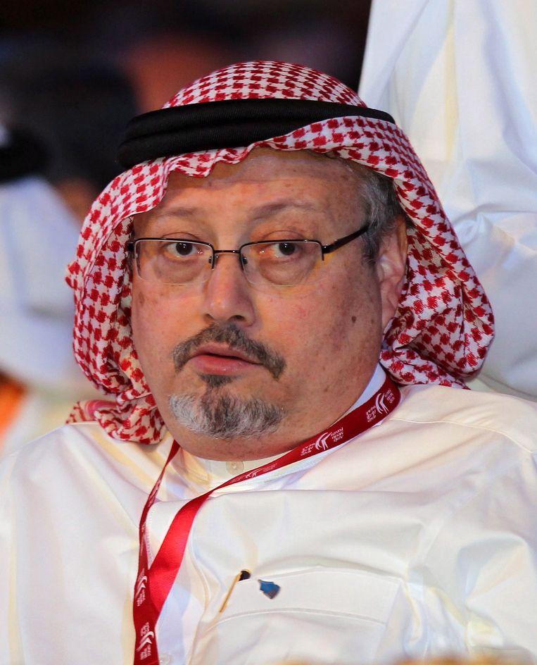 De Saudische journalist Al-Watan Jamal Khashoggi tijdens een mediaforum in Dubai in 2012. Beeld EPA