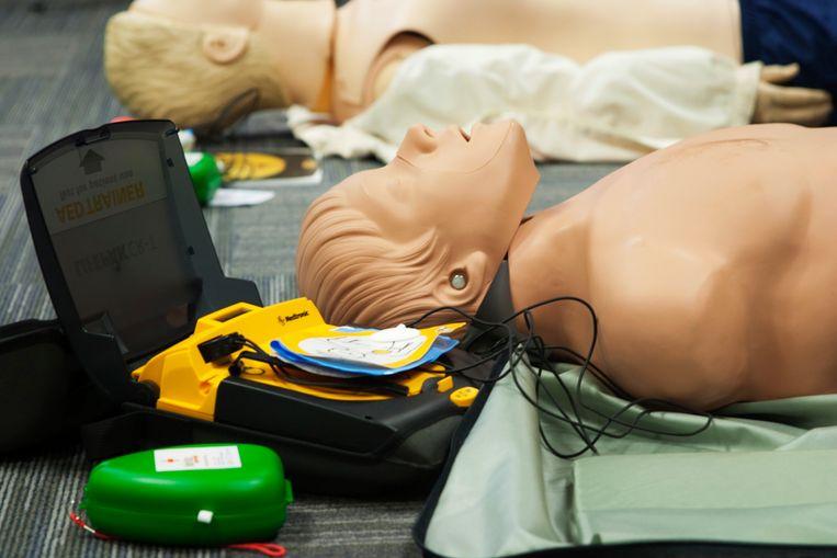In Bredene kan je een cursus reanimati en defibrillatie volgen