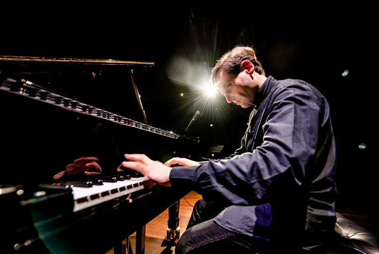 Pianist Boris Giltburg met Phion onder leiding van Ben Glassberg.  Beeld Andreas Terlaak