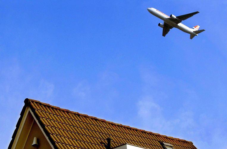 Rondom Schiphol ondervinden veel mensen hinder van vlieglawaai. Beeld anp