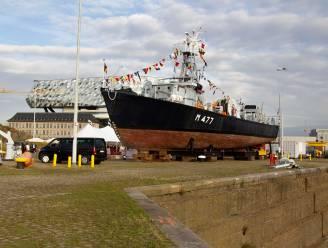"""Marine draagt unieke mijnenveger Oudenaarde over aan Maritiem Patrimonium: """"Vanaf volgend jaar te bezoeken in Antwerps Droogdokkenpark"""""""