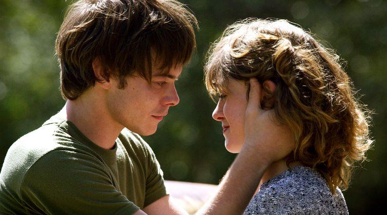 Jonathan (Charlie Heaton) en Nancy (Natalia Dryer). Beeld