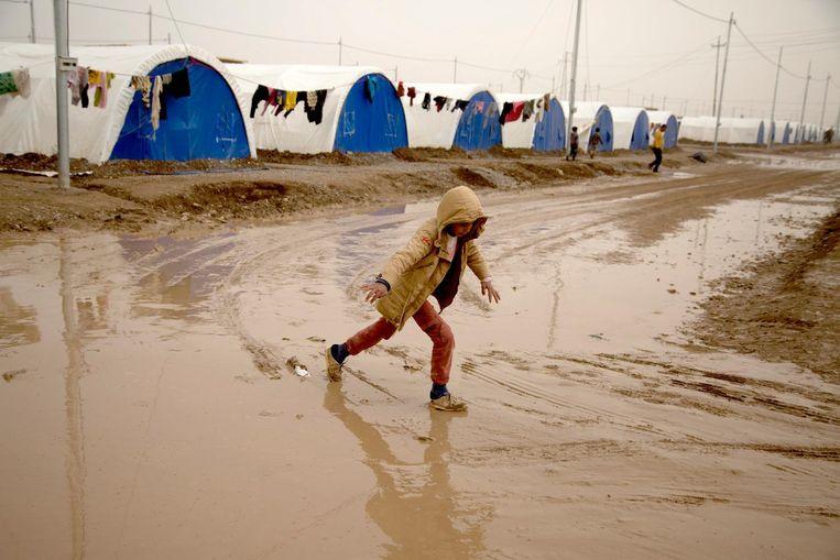 Een kind in een vluchtelingenkamp bij Mosul. Beeld afp
