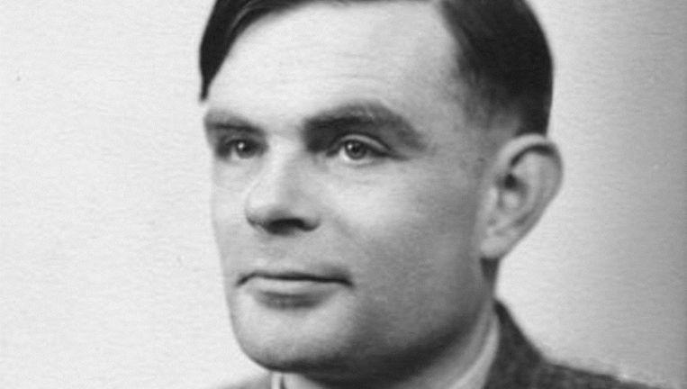 De wet is vernoemd naar de Britse wiskundige Alan Turing, die in 1952 veroordeeld werd tot gedwongen chemische castratie en in 1954 zelfmoord pleegde, vermoedelijk door het eten van een appel met cyanide. Beeld