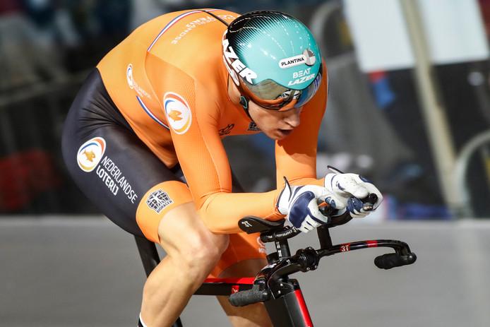 Theo Bos op de wielerbaan in Apeldoorn.