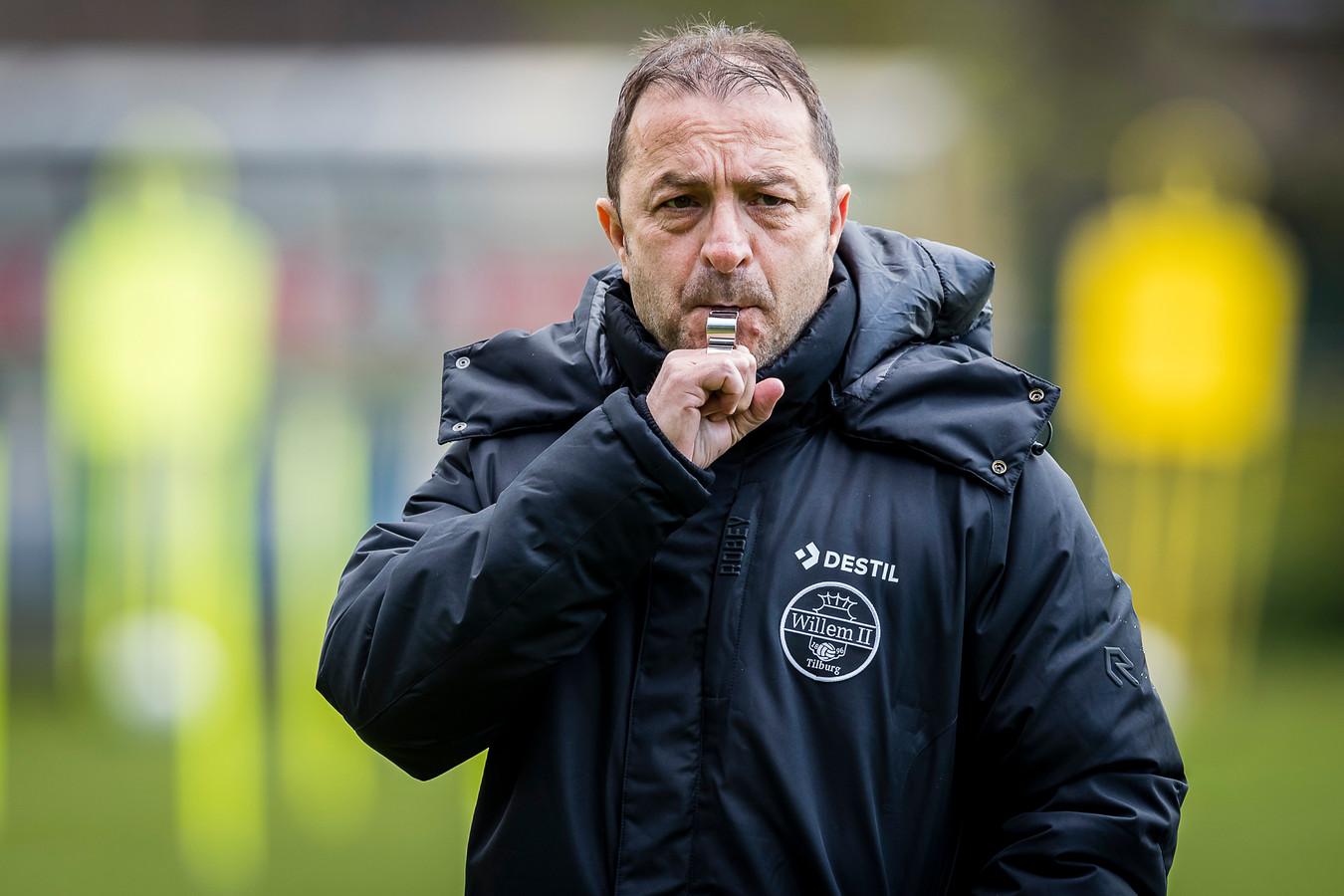 De tijd dringt voor vijf clubs in de eredivisie, zo ook voor het Willem II van trainer Zeljko Petrovic.