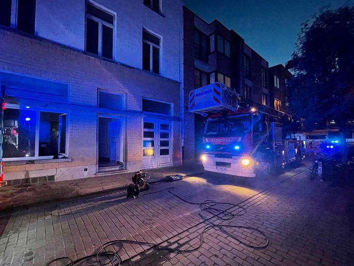 De brandweer kwam ter plaatse in de Guido Gezellestraat in Knokke-Heist.
