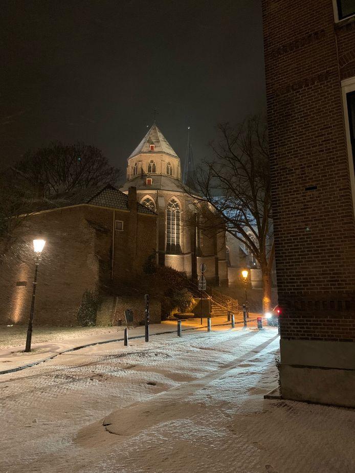 Het fraaie beeld van de Bergkerk in Deventer.