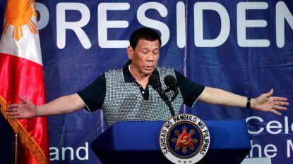 """Filipijnse president Duterte onder vuur nadat hij vertelt over aanranding huismeid: """"Ik probeerde wat er in haar onderbroek zit aan te raken"""""""