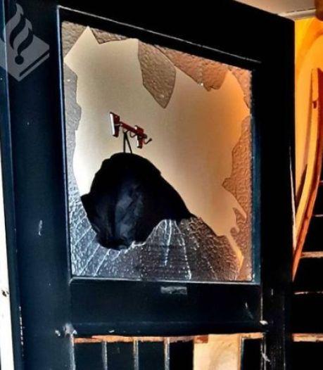 Speciale eenheid politie valt Arnhems huis binnen vanwege drugs en vuurwapengevaarlijke verdachte