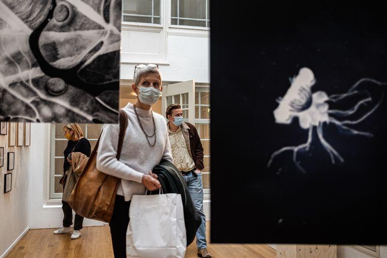 Bezoekers in Foam, toen bezoek vorig jaar nog was toegestaan in het museum. Beeld Hollandse Hoogte / Joris van Gennip
