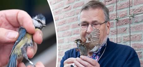 Zelfs bevalling van zijn vrouw moest wachten op de hobby van Gerard (77) uit Gorssel: 'Alles draait om vogels'