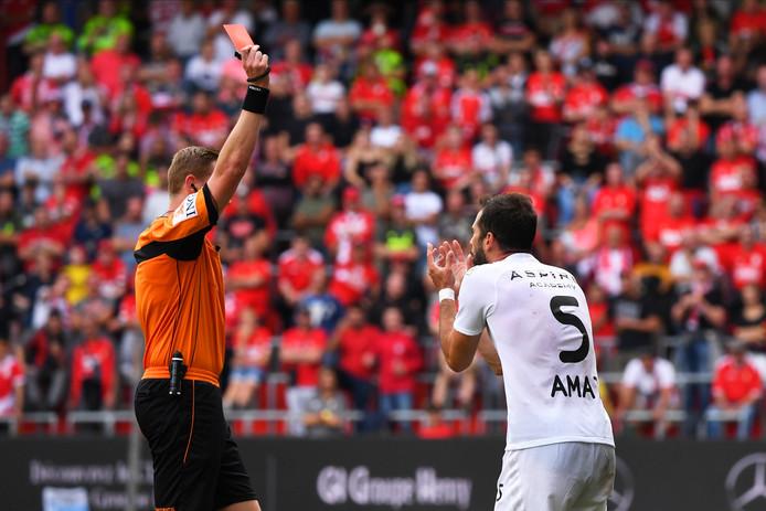 Exclu pour une vilaine faute sur Nicolas Gavory, Jordi Amat risque trois matchs de suspension.