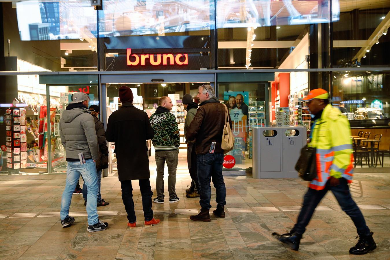 Bruna-winkel op het Centraal Station in Rotterdam