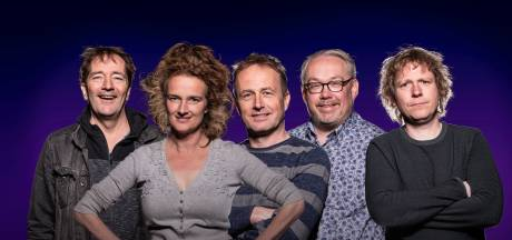 Vijf Twentse cabaretiers komen met eindejaarsconference in april voor 300 geteste bezoekers