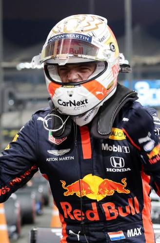 Uitzinnige Verstappen troeft met gouden laatste ronde Mercedes af voor eerste pole dit seizoen