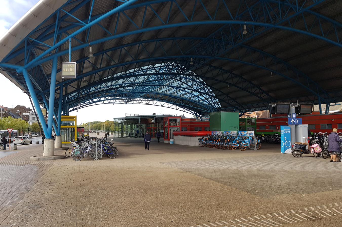 Niet alleen aan het station (foto) worden fietsen gestolen, maar heel wat diefstallen worden wel opgelost.