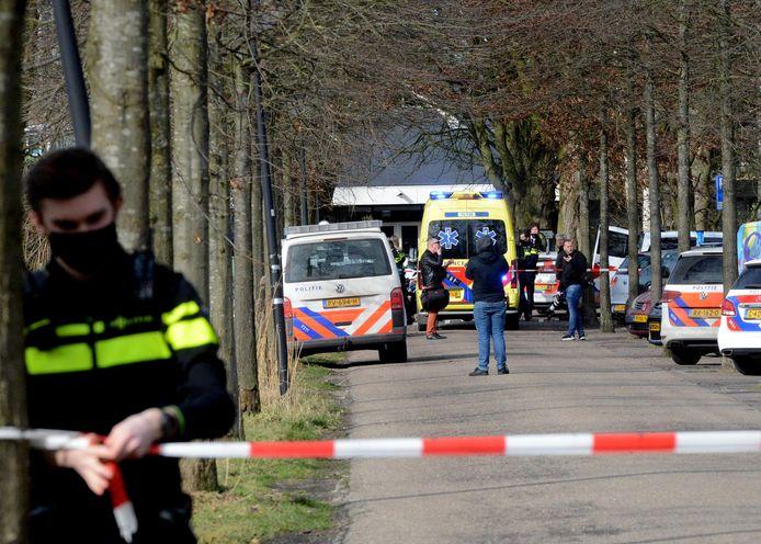 De omgeving rondom het Julialaantje werd afgezet door de politie.