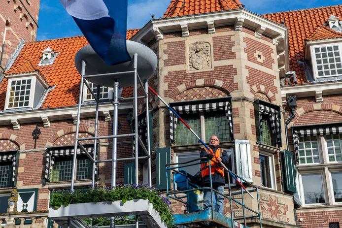Op 5 mei is om 08.15 uur het bevrijdingsvuur ontstoken door Dorus Verwei.
