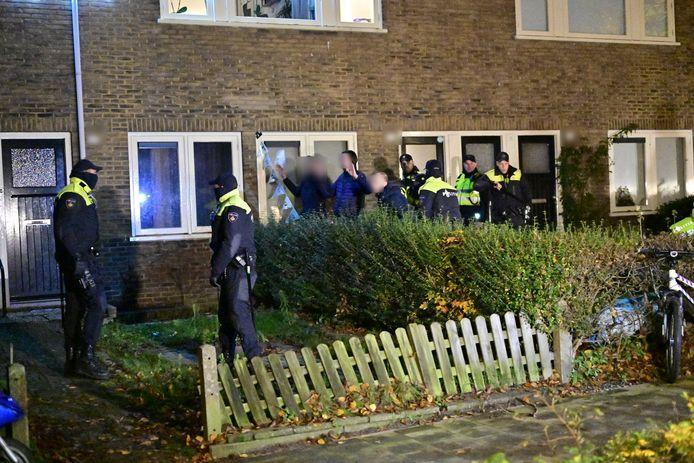 De politie arresteerde twee jongeren in Geitenkamp.