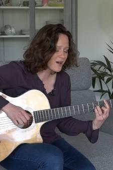 Maud schrijft muziek om koninginnedagdrama te verwerken