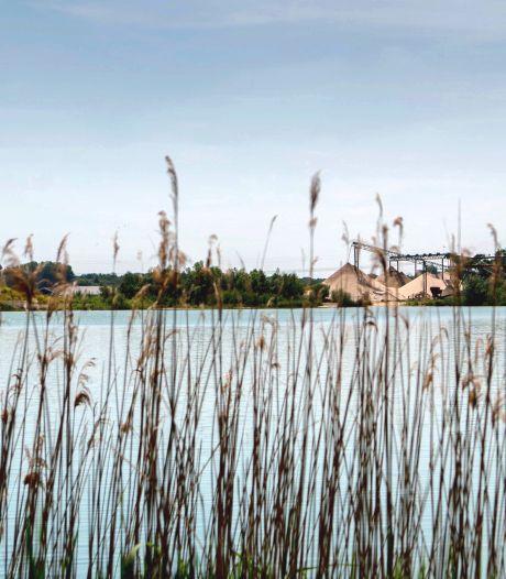 Zonnevelden Deest wijken niet voor vissers