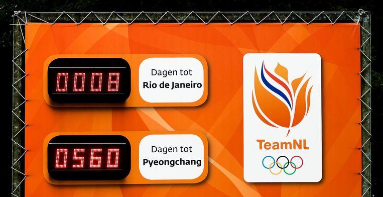 Een bord telt af naar de start van de Olympische Spelen bij de ingang van sportpark Papendal Beeld anp