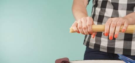 Eindelijk is daar het antwoord: zo breek je spaghetti perfect in tweeën