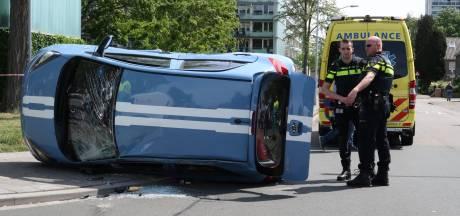 Gewonde na crash met twee auto's in Breda
