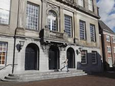 Chaos in Weesp: stadsbestuur ruziënd richting fusie met Amsterdam