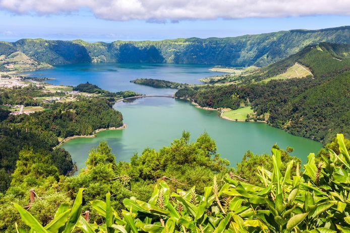 Het eiland Sao Miguel in de Azoren is opnieuw groen gekleurd op de kaart.
