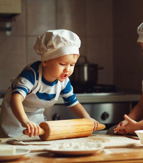 Heel Zundert bakt iets lekkers voor eenzame oudere dorpsgenoten