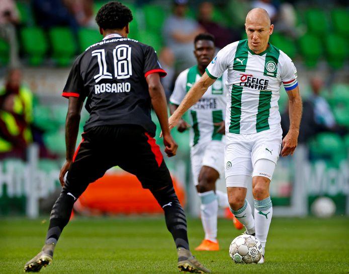 Arjen Robben in actie toen hij nog niet geblesseerd was tegen Rosario in het duel met PSV.