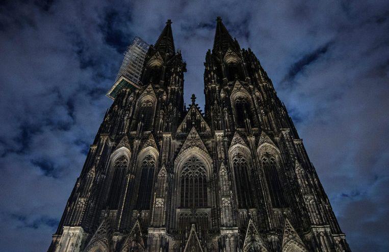 De verlichting van de kathedraal in Keulen was uitgeschakeld uit protest tegen Pegida. Beeld epa