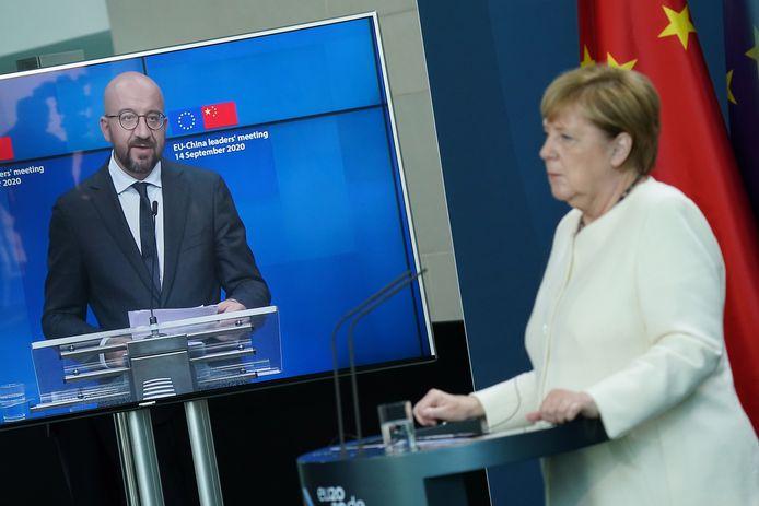 Aan het videogesprek met de Chinese president Xi Jinping nam ook Angela Merkel deel.