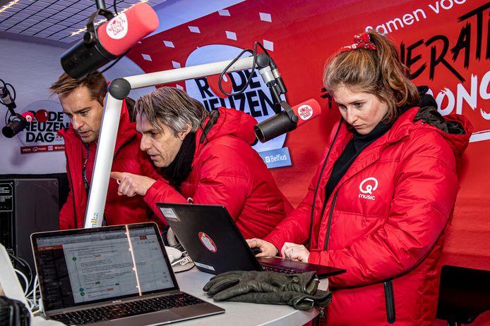 Sam De Bruyn, Inge De Vogelaere en Wim Oosterlinck aan het werk.