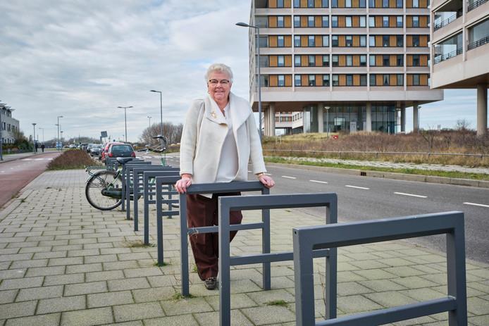Ann van den Berg op de Strandweg in Hoek van Holland.