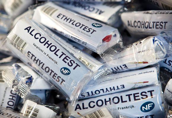 Bij een alcoholtest liet de man uit Deerlijk liefst 3,5 pro mille alcohol in het bloed optekenen.