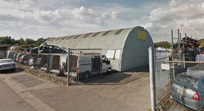 Het autosloopbbedrijf van Henk Baum in Oss.