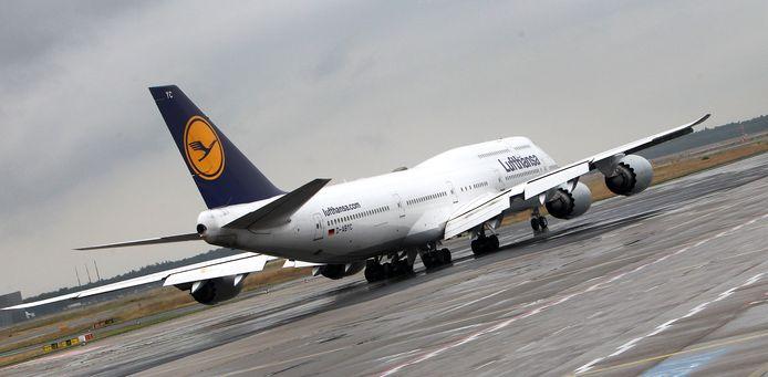 Un avion de la compagnie Lufthansa à l'aéroport de Francfort.
