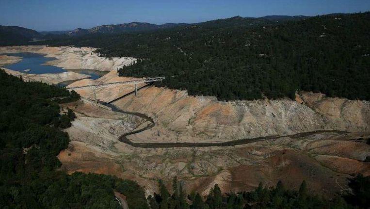 Het stuwmeer Lake Orovill, ten noorden van Sacramento, is door de droogte al twee derde van zijn water kwijt. Beeld getty