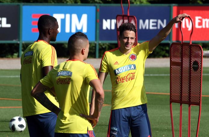 Arias (r) op het trainingskamp van Colombia.