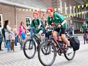614 deelnemers aan de Wielerzesdaagse Baarle-Nassau-Hertog: 'Elke dag viel er wel regen'