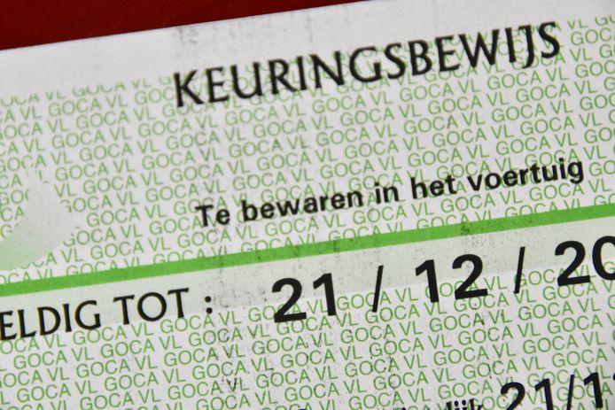 Illustratiebeeld - Het keuringsbewijs van de automobilist bleek al een tijdje vervallen.
