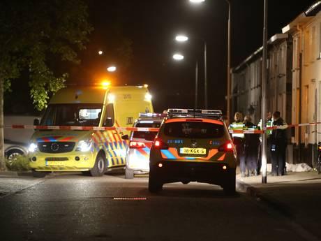 Man doodgestoken voor huis op Molenweg in Oss, inval in appartement Populierstraat