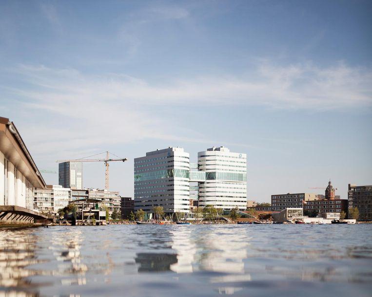 Het kantoor van Waternet langs de Amstel. Beeld Maarten Boswijk