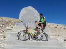 Hans Manders fietste Mont Ventoux, voor Tom Simpson: 'Zeldzaam gevoel van gelukzaligheid'